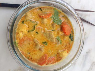 Curry jaune de poulet fermier, Poulet de Gibecg, Happy Curry